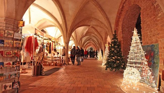 Stralsunder weihnachtsmarkt piste neubrandenburg - Weihnachtsbaumverkauf hamburg ...